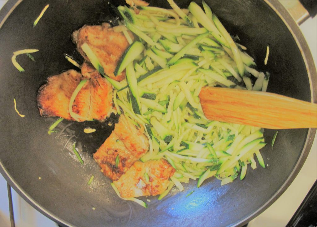 Fring zucchini with fired fish